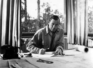 Alvar_Aalto_at_his_home_in_Riihitie_1945_photo_Kolmio